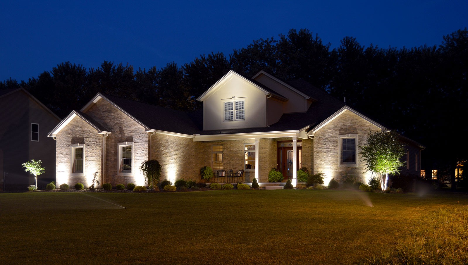 Outdoor lighting-Lakeland FL Outdoor Lighting Installers-We Offer Outdoor Lighting Services, Landscape Lighting, Low Voltage Lighting, Outdoor LED landscape Lighting, Holiday Lighting, Christmas Lighting, Tree Lighting, Canopy Lighting, Residential outdoor Lighting, Commercial outdoor Lighting, Safety Lighting, Path and Garden Lighting, Mini lights and flood lights, Landscape Lighting installation, Outdoor spot lights, Outdoor LED garden Lighting, Dock Lighting, Accent lights, Deck and patio lights, Security lights, Underwater Lighting, Tree upLighting, Outdoor Lighting repair services, and more.